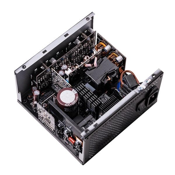 ADATA XPG Core Reactor 650W ATX tápegység - 3