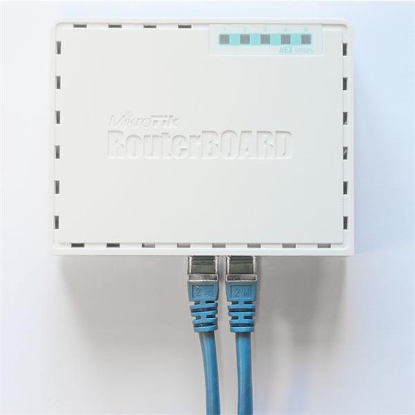 MikroTik hEX RB750Gr3 L4 256MB 5x GbE port router - 4