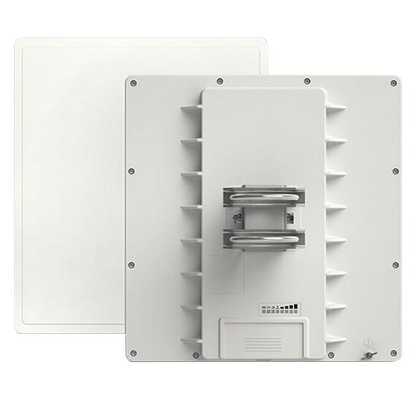 MikroTik QRT 5, 24dbi 5GHz antenna, Super High Gain Dual Chain 802.11an wireless, 1xGbE LAN, L4 - 2