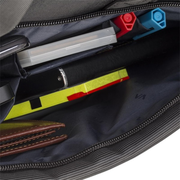 Rivacase 8231 15,6 fekete notebook táska - 7